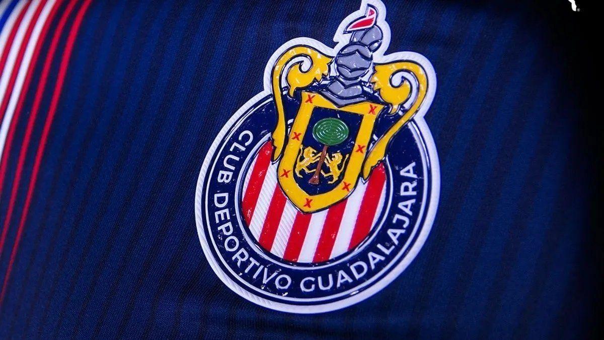 A qué hora juega Chivas